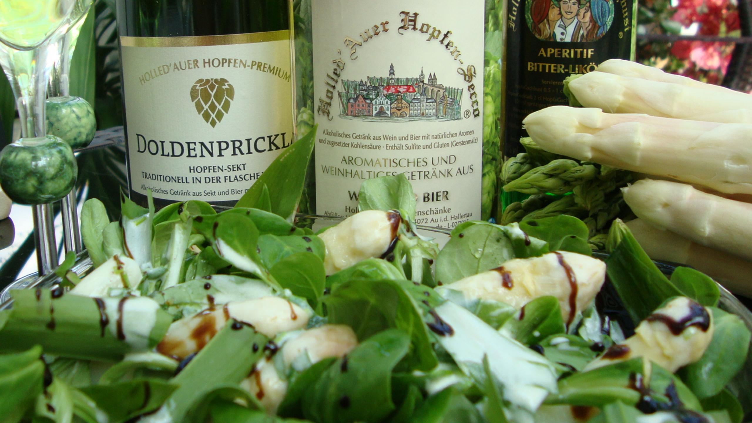 Spargelspitzen im Feldsalat mit Hopfen-Secco Marinade